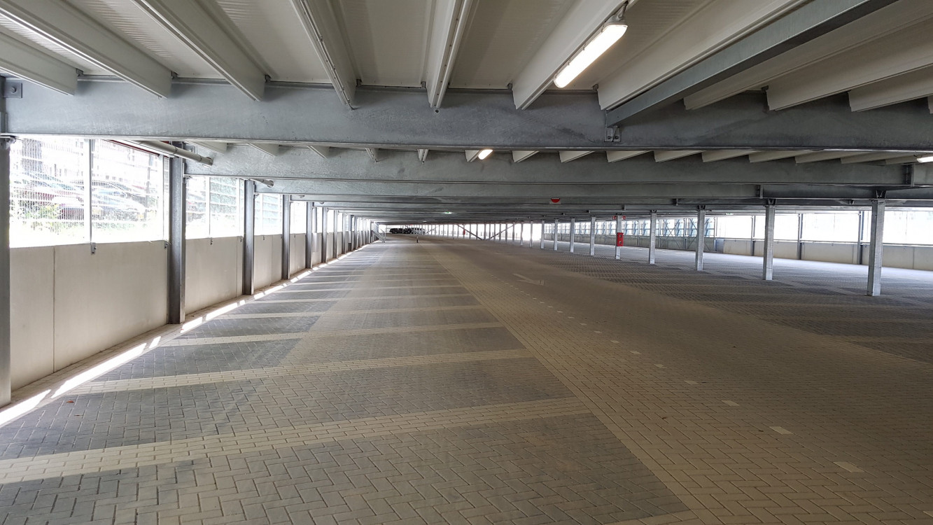 Parking garage P+R
